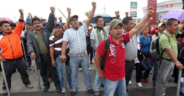 Dialoga CNTE con Cué en Segob por su programa de marchas