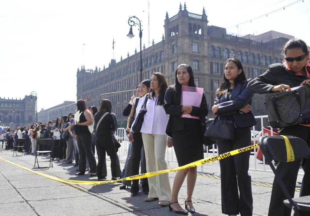 Leve descenso de desempleo en el país, reporta INEGI