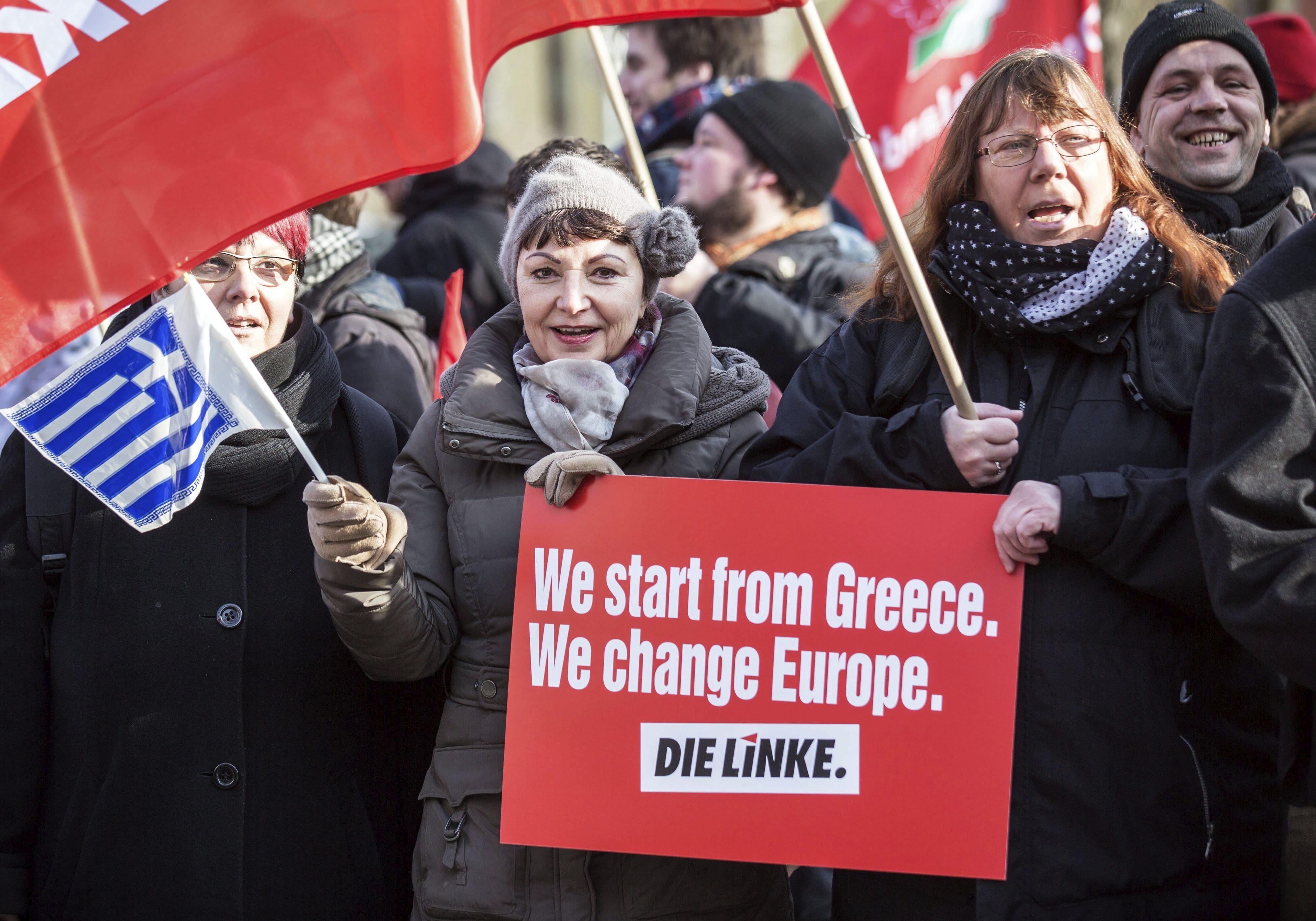 Miles gritan en Atenas: Grecia no se arrodillará