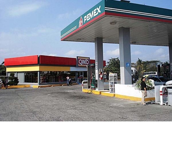 Oxxo va por gasolineras