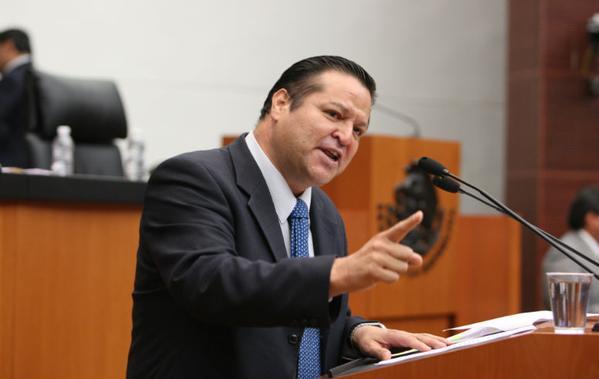 Fernando Herrera Ávila, nuevo líder del PAN en el Senado