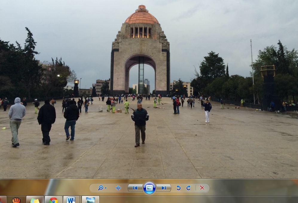 Tras repliegue la CNTE deja Monumento a la Revolución