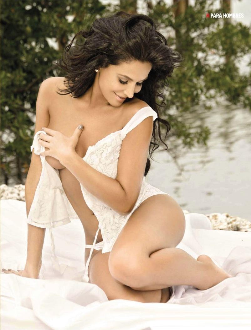 lorena-rojas-en-revista-h-2012-17