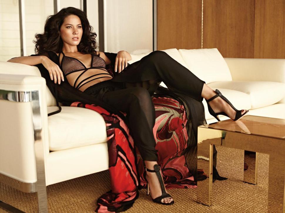 Olivia Munn sabe cómo consentir a Aaron Rodgers