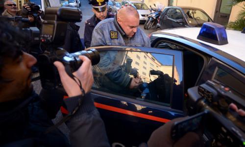 Arrestan a 40 de mafia napolitana
