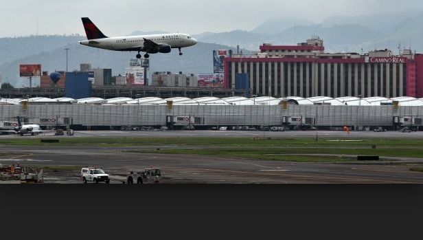 ¿Cuotas en la siembra de droga en aeropuertos?