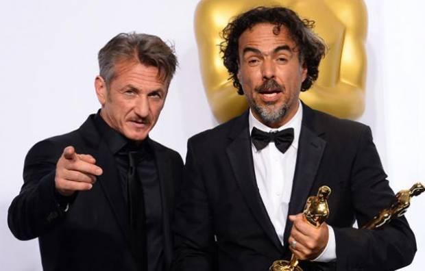 """""""Estúpidos"""", responde Sean Penn"""