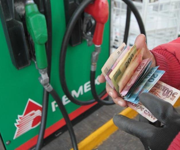 'Gasolinazo': PRI defiende; PRD pide boicot