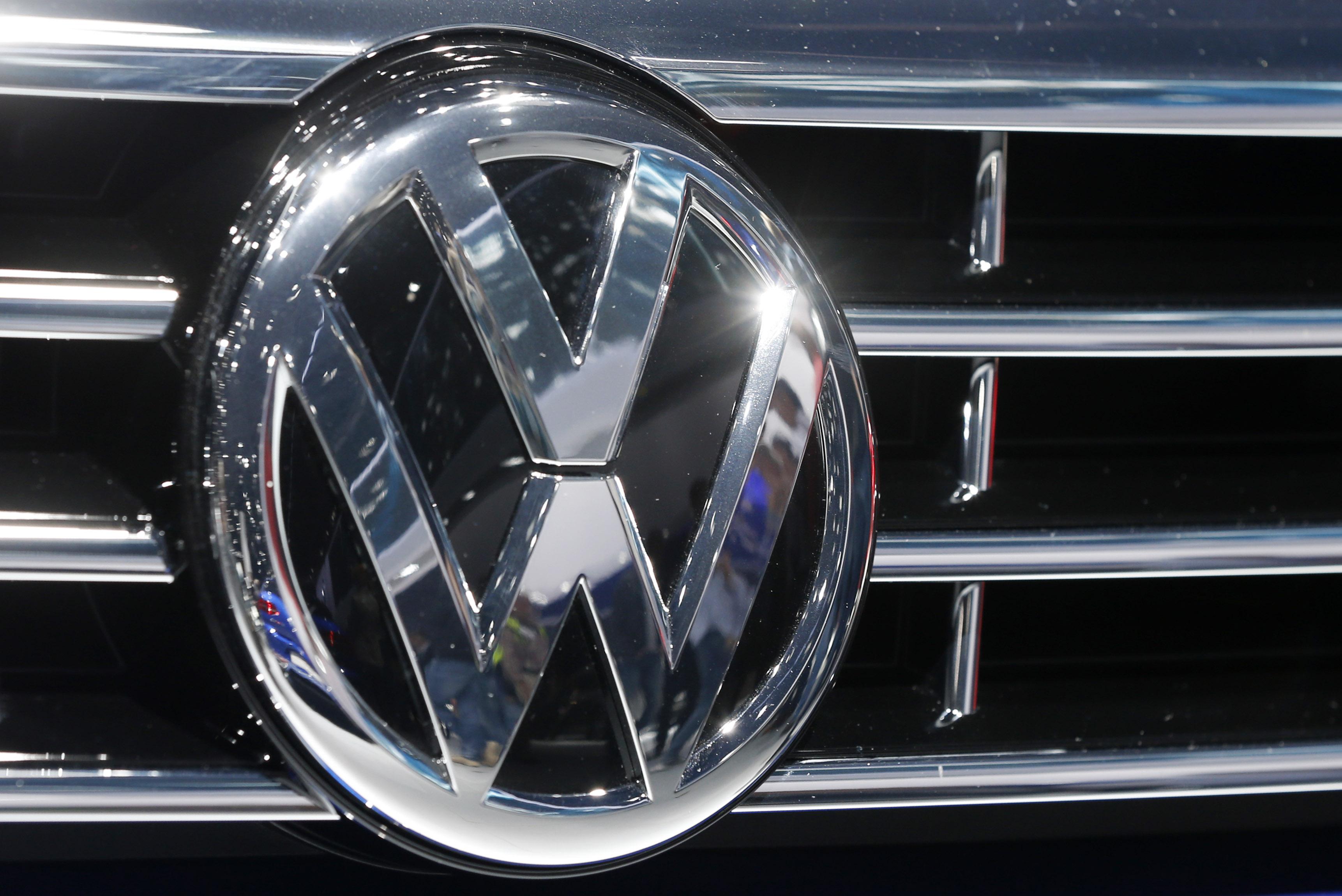 Ventas de VW caen 2% en 2015