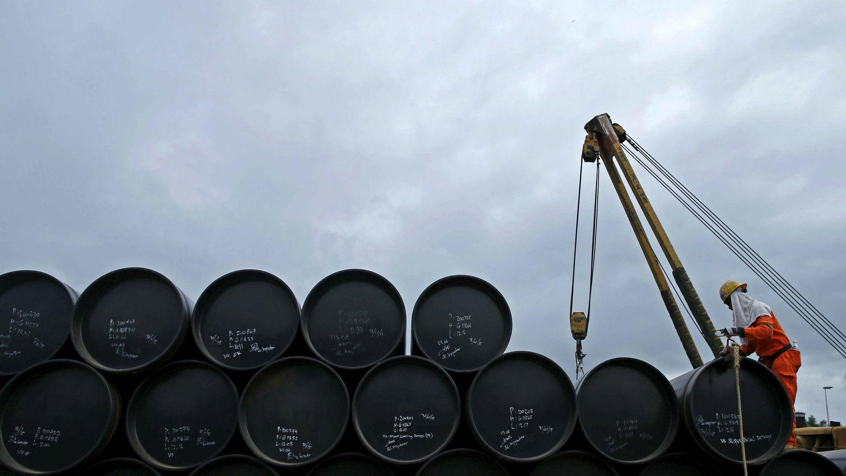 Rusia ve 'acuerdo tipo cártel' en caída de precios del petróleo