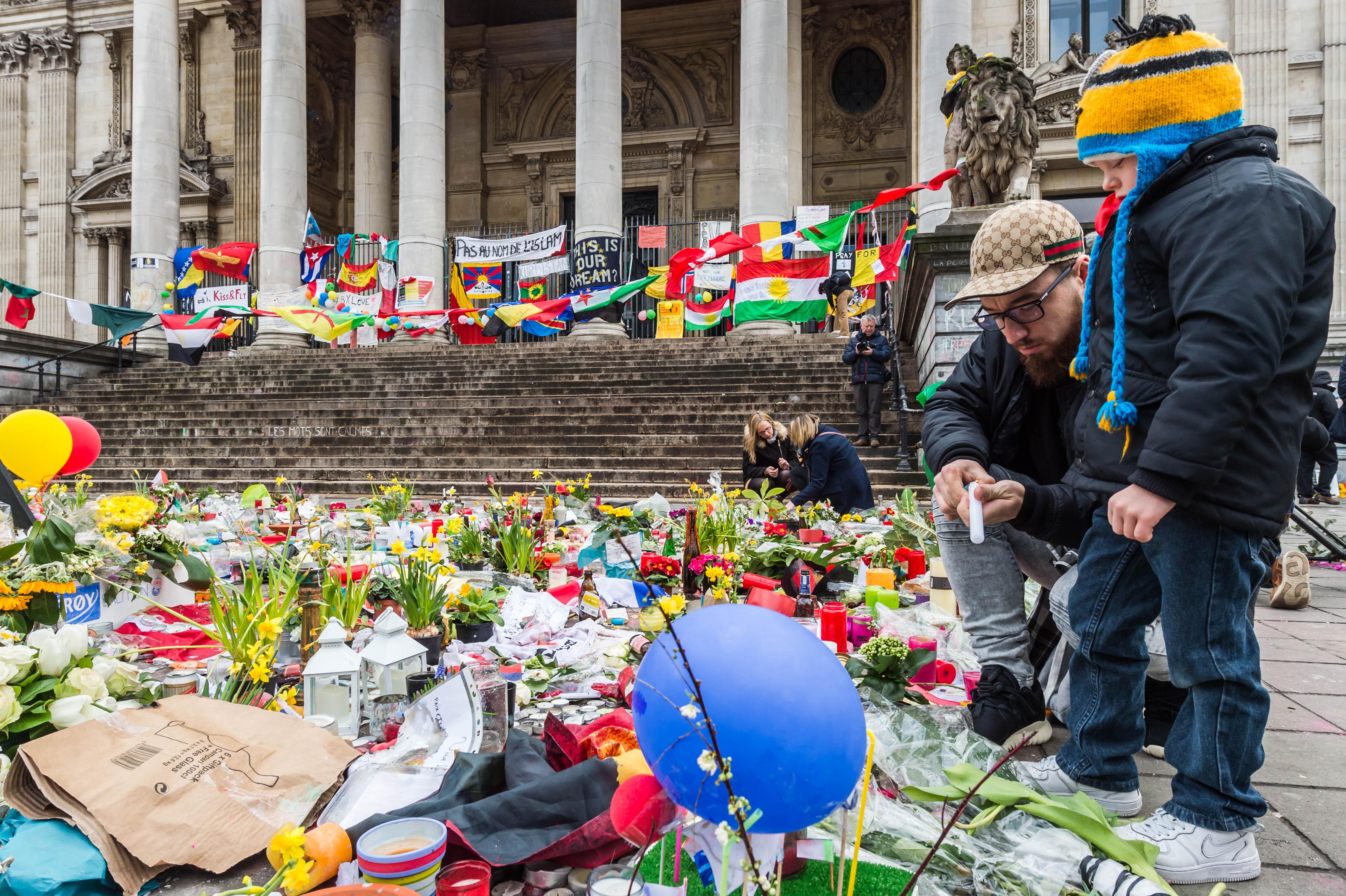 Aumentan víctimas de Bruselas