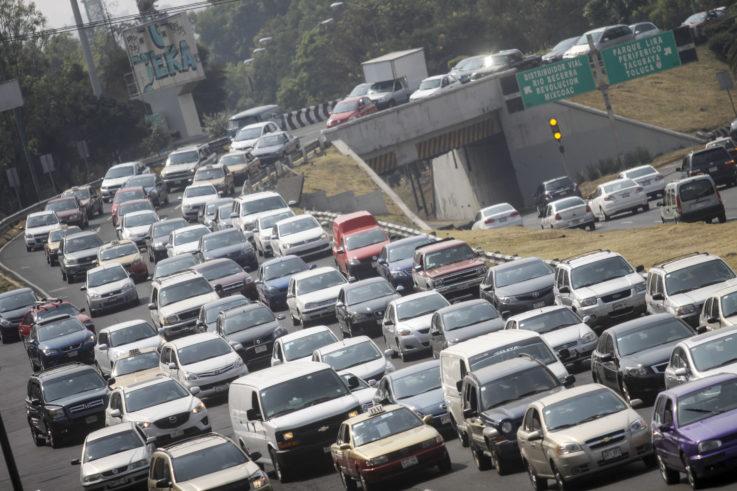 """Por altos niveles de polución, activan doble """"Hoy No Circula"""""""