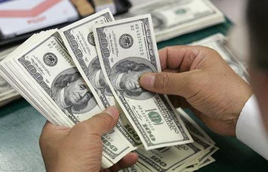 Dólar regresa a los 19 pesos