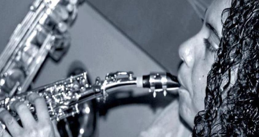 Aparece saxofonista en CDMX