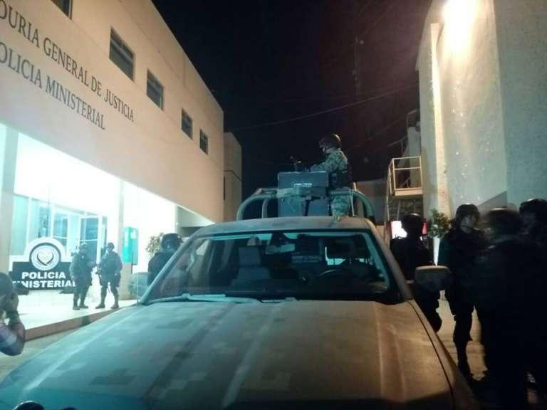 Por emboscada aseguran celulares a 35 ministeriales