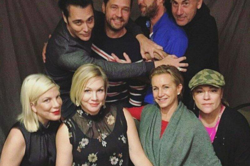 """Beverly Hills, 90210"" rinde homenaje a Shannen Doherty"
