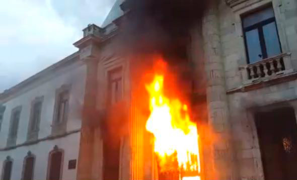 VIDEO | Así se vivieron los disturbios en la UABJO