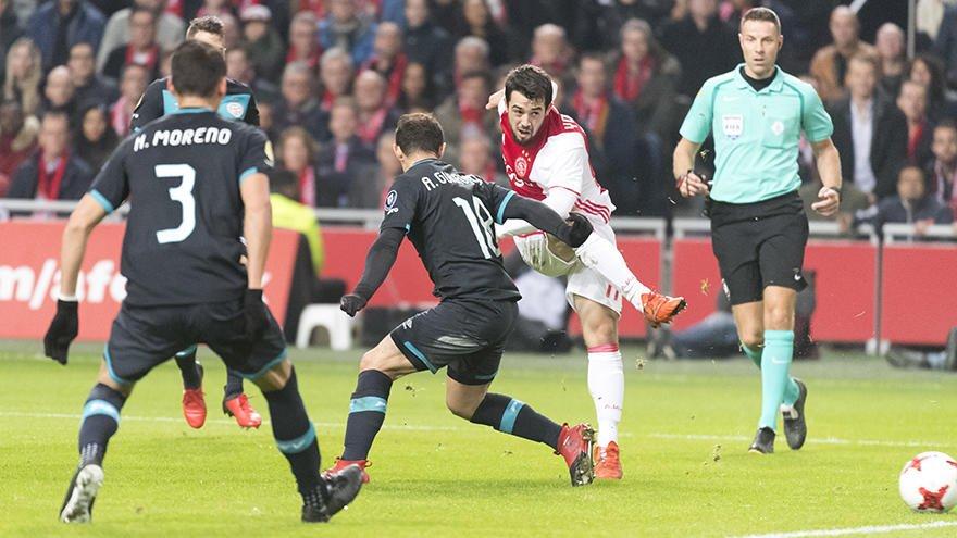 PSV y Ajax, empatan; Moreno, lesionado