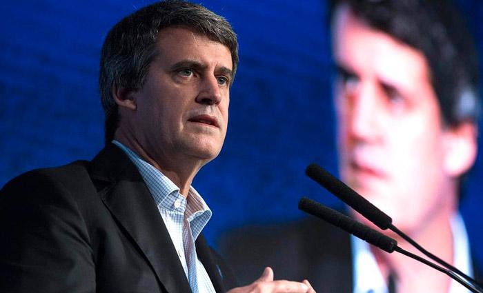 Macri cesa a ministro de Hacienda