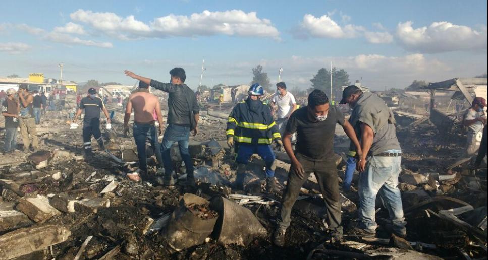 Suben a 36 los fallecidos en Tultepec