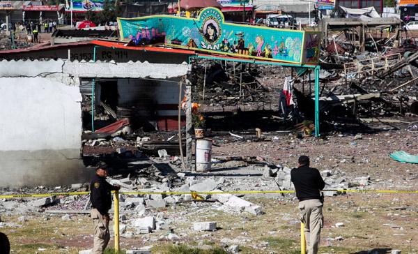 33 muertos suma explosión en Tultepec