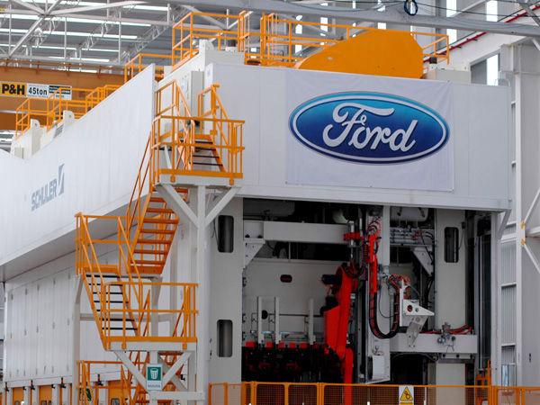 Ford dice adiós a México y reporta pérdidas