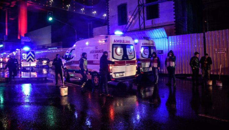 Ataque a club en Estambul deja 39 muertos