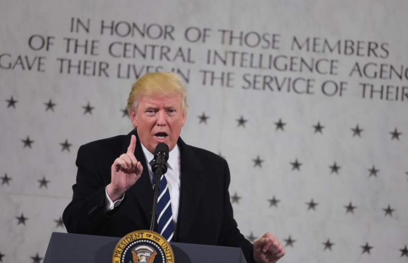Trump intenta reconciliarse con la CIA