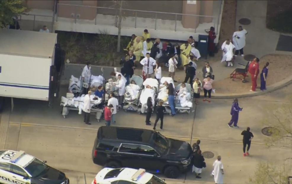 Tras tiroteo, evacuan hospital de Ben Taub, Texas