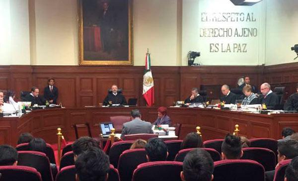 Corte admite controversias de EPN y Senado