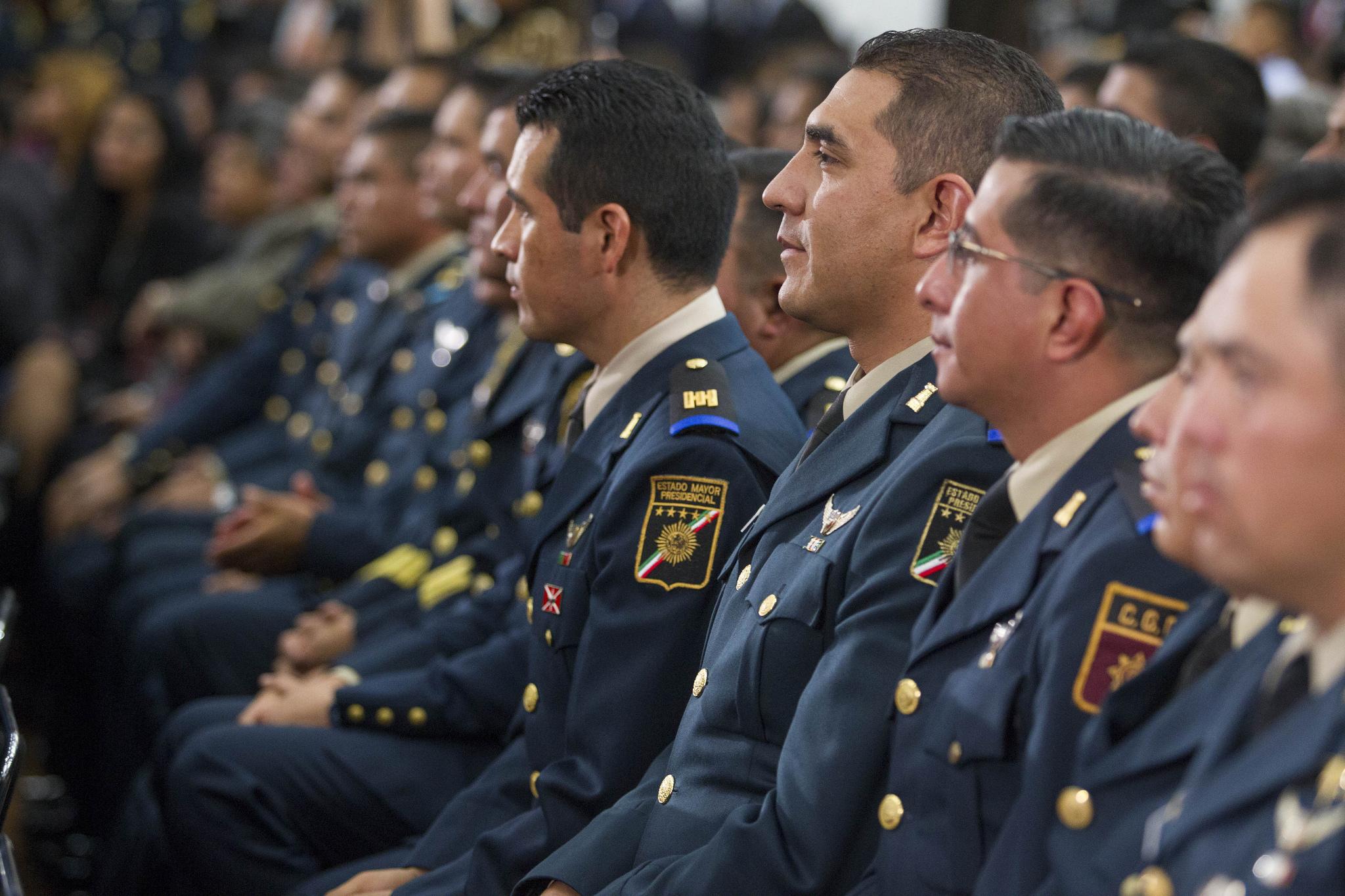 EPN reconoce labor del Estado Mayor