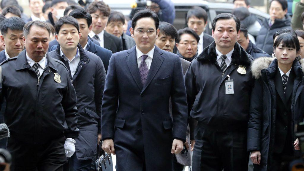 Samsung en crisis tras arresto de su líder