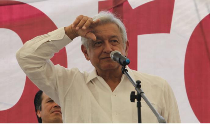"""AMLO acusa a EPN de """"nerviosismo"""""""