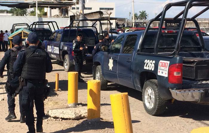 Tras fuga del 'Azulito', desaparece jefe de custodios