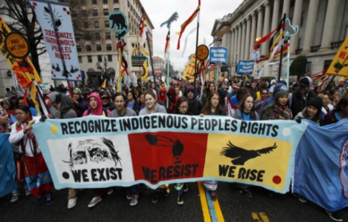 FOTOS | Sioux llevan protesta a la Casa Blanca