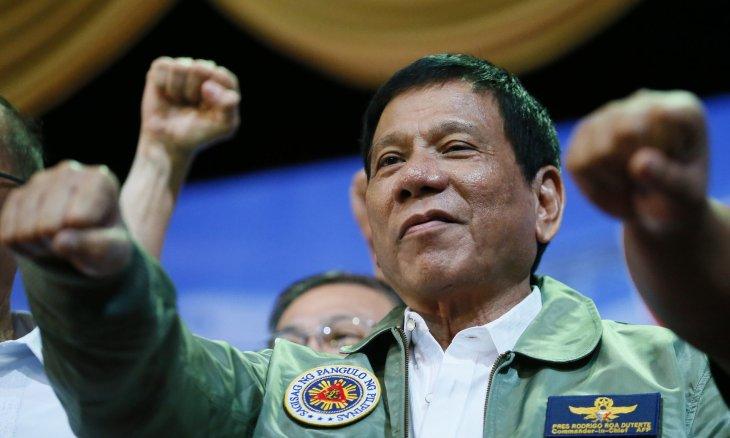 Presidente filipino busca aplicar ley marcial