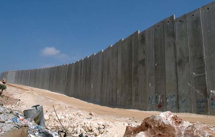 Empresa mexicana busca iluminar el muro