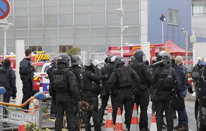 Muere hombre que atacó a militar en Francia