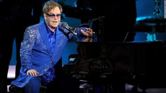 """Elton John padeció infección """"potencialmente mortal"""""""