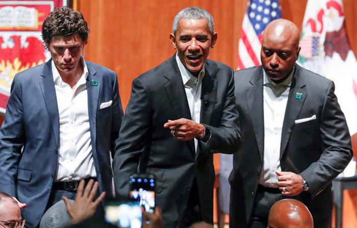 Obama reinicia vida pública en Chicago