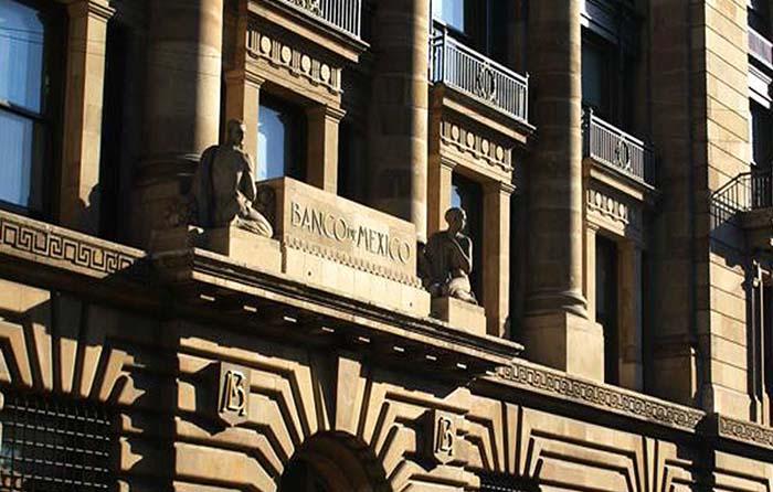 Banxico frena alza de tasas; la mantiene en 7.50%