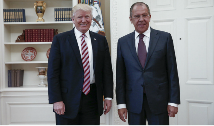Trump reveló secretos a Rusia, asegura WP
