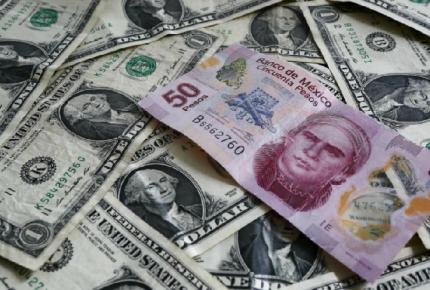 Dólar se mantiene por debajo de los 19 pesos