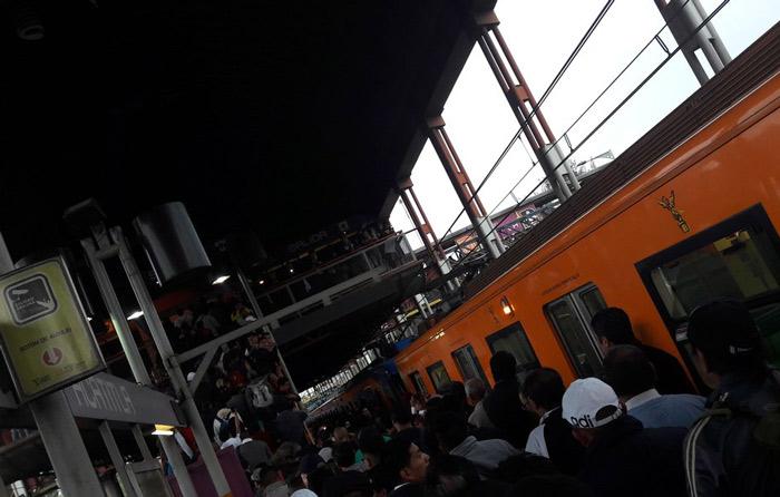 Fallas en trenes causan retrasos en Metro