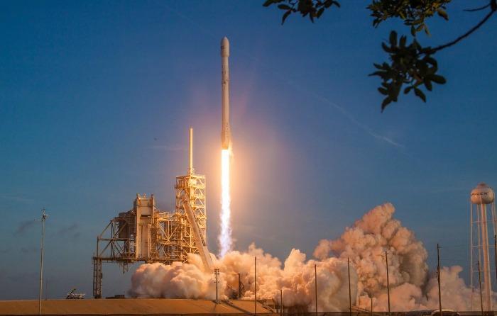 """SpaceX lanza """"carga secreta"""" de EU al espacio"""