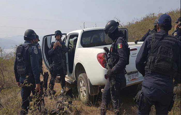 Comando secuestra a mando policial en Tixtla
