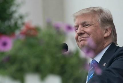 Trump condena ataque de supremacista en EU