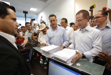 Presentan 200 pruebas para impugnar elección en Coahuila