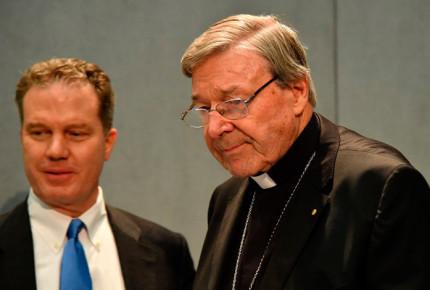 Cardenal Pell conocía abusos sexuales en la Iglesia desde los 70's