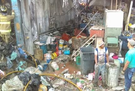 Se incendia planta de desechos sólidos